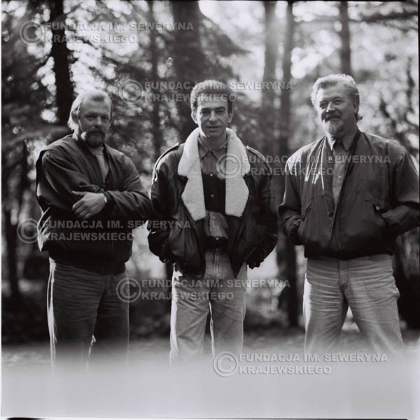 # 1082 - Czerwone Gitary w składzie: Seweryn Krajewski, Jerzy Skrzypczyk, Bernard Dornowski. 1991r. sesja zdjęciowa w Michalinie.
