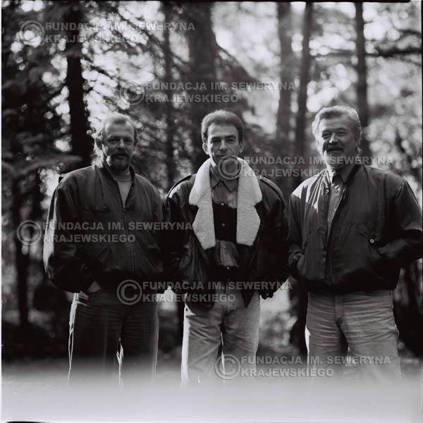 # 1084 - Czerwone Gitary w składzie: Seweryn Krajewski, Jerzy Skrzypczyk, Bernard Dornowski. 1991r. sesja zdjęciowa w Michalinie.