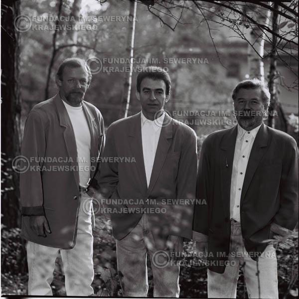 # 1100 - Czerwone Gitary w składzie: Seweryn Krajewski, Jerzy Skrzypczyk, Bernard Dornowski. 1991r. sesja zdjęciowa w Michalinie.