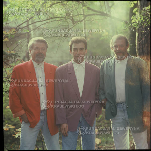 # 1207 - 1991r. sesja zdjęciowa w Michalinie, come back Czerwonych Gitar w składzie: Seweryn Krajewski, Bernard Dornowski, Jerzy Skrzypczyk.