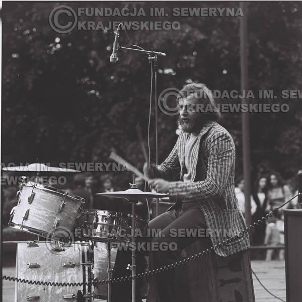 # 1225 - 1973r., Bytom-Bobrek - koncert Czerwonych Gitar w składzie: Seweryn Krajewski, Jerzy Skrzypczyk, Bernard Dornowski.