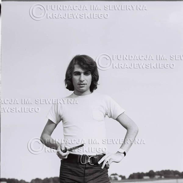 # 1231 - Seweryn Krajewski z fajką (Seweryn palił w tamtych czasach fajkę, L.Sagan po raz pierwszy uwiecznił go z fajką na zdjęciach).