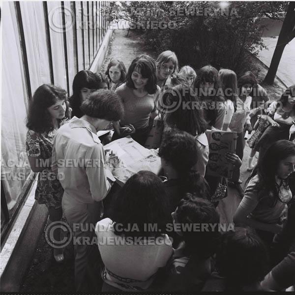 # 1239 - 1975r. koncert Czerwonych Gitar w Ostrawie w ówczesnej Czechosłowacji na terenach wystawowych 'Czarna Łąka'.
