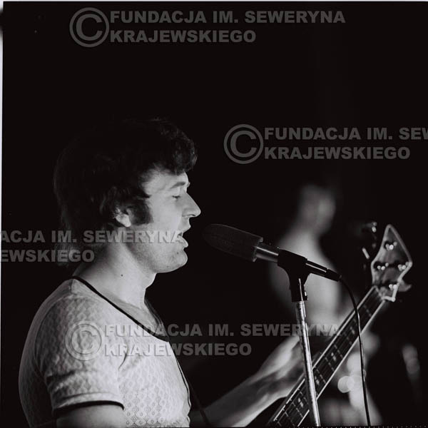 # 1255 - 1973r. Bernard Dornowski - koncert Czerwonych Gitar w Teatrze Polskim we Wrocławiu.