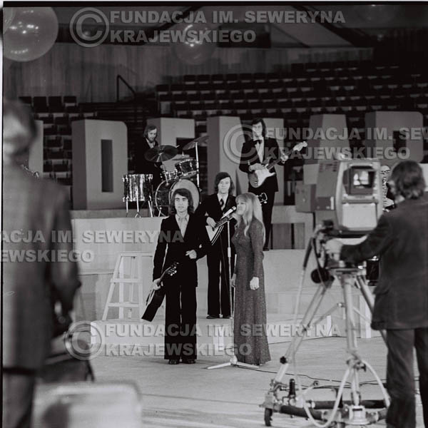 # 1264 - Seweryn Krajewski I Eva Pilarova - – 1975r. TV Katowice, program telewizyjny 'Studio Rondo' realizowany w katowickim Pałacu Młodzieży.