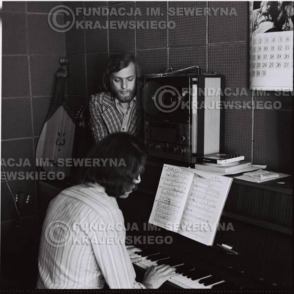 # 1314 - Seweryn Krajewski, Jerzy Skrzypczyk – 1974r. w małym domowym studio w mieszkaniu Seweryna Krajewskiego w Sopocie.