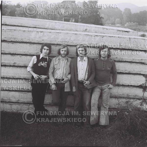 # 1374 - 1974r. Sanok, Czerwone Gitary w składzie: Seweryn Krajewski, Jerzy Skrzypczyk, Ryszard Kaczmarek, Bernard Dornowski.