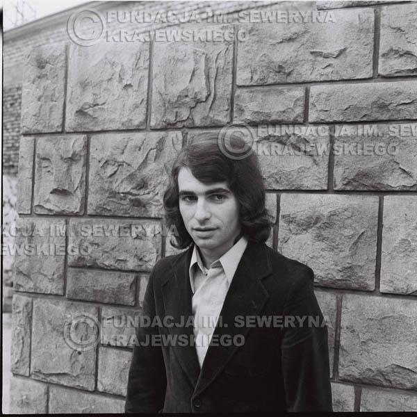 # 1436 - Seweryn Krajewski - 1973r. - Przed katowickim 'Spodkiem'