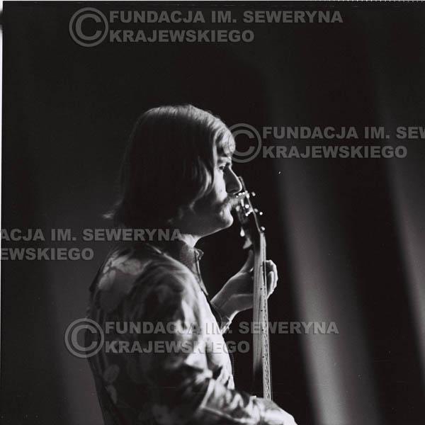 # 1451 - 1973r. Poznań, Ryszard Kaczmarek występuje jeszcze z zespołem 'Andrzej I Eliza'.