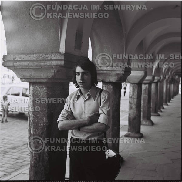 # 1481 - 1973r. Poznań, Seweryn Krajewski na poznańskiej Starówce.