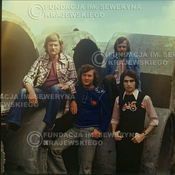# 1502 - 1975r. sesja zdjęciowa w Sanoku. . Czerwone Gitary w składzie: Bernard Dornowski, Seweryn Krajewski, Ryszard Kaczmarek, Jerzy Skrzypczyk.