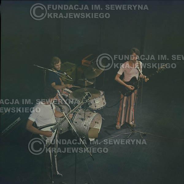 # 1513 - 1973r Koncert w Poznaniu Czerwone Gitary w składzie: Bernard Dornowski, Jerzy Skrzypczyk, Seweryn Krajewski.