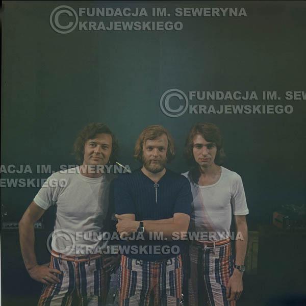 # 1518 - 1973r Koncert w Poznaniu Czerwone Gitary w składzie: Bernard Dornowski, Jerzy Skrzypczyk, Seweryn Krajewski.
