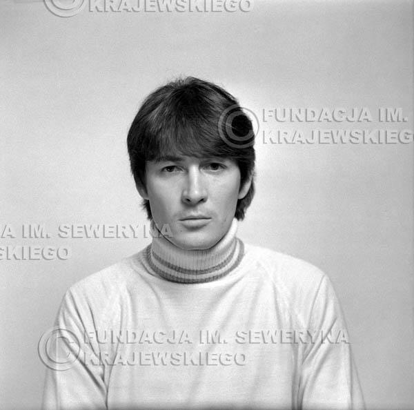 # 151 - 1967r. - Krzysztof Klenczon sesja do trzeciego albumu pt: 'Czerwone Gitary 3'