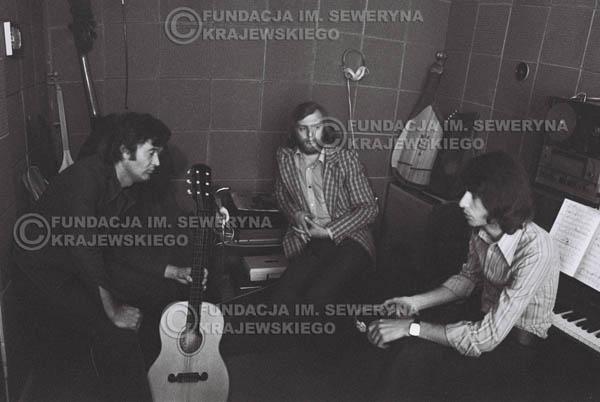 # 1549 - Seweryn Krajewski, Bernard Dornowski, Jerzy Skrzypczyk – 1974r. w małym domowym studio w mieszkaniu Seweryna Krajewskiego w Sopocie.