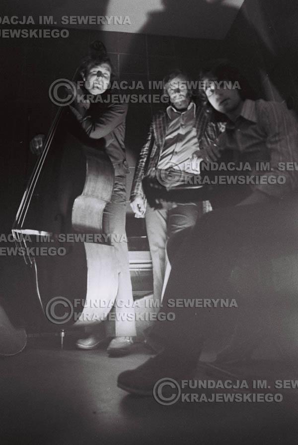 # 1551 - Seweryn Krajewski, Bernard Dornowski, Jerzy Skrzypczyk – 1974r. w małym domowym studio w mieszkaniu Seweryna Krajewskiego w Sopocie.
