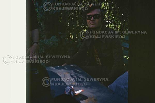 # 1565 - 1973r. imprezy towarzyszące XIII Międzynarodowemu Festiwalowi Piosenki, sesja przed Teatrem Letnim w Sopocie: Jerzy Skrzypczyk, Bernard Dornowski, Seweryn Krajewski.
