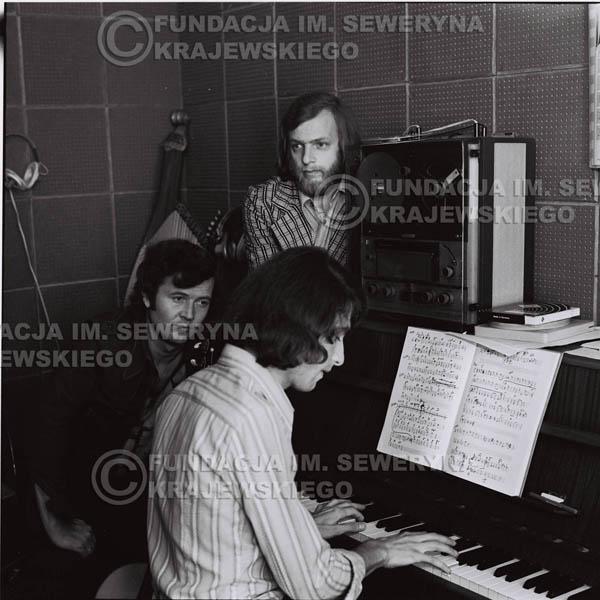 # 1577 - Seweryn Krajewski, Bernard Dornowski, Jerzy Skrzypczyk – 1974r. w małym domowym studio w mieszkaniu Seweryna Krajewskiego w Sopocie.