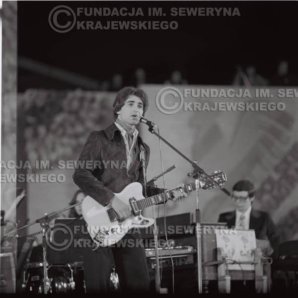 # 1596 - Seweryn Krajewski, 1976r. Krajowy Festiwal Piosenki Polskiej w Opolu.