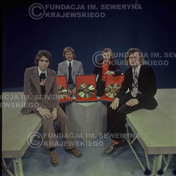 # 1634 - 1975 rok studio TV Katowice, Złota Płyta za za Longplay 'Spokój Serca' Seweryn Krajewski, Ryszard Kaczmarek , Jerzy Skrzypczyk, Bernard Dornowski