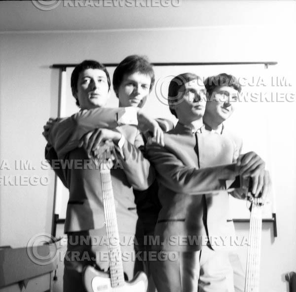 # 164 - Czerwone Gitary 1965r. od lewej: Krzysztof Klenczon, Jerzy Kosela, Henryk Zomerski, Bernard Dornowski