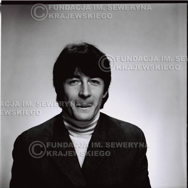 # 184 - 1967r. Krzysztof Klenczon sesja zdjęciowa do płyty pt: 'Czerwone Gitary 3'