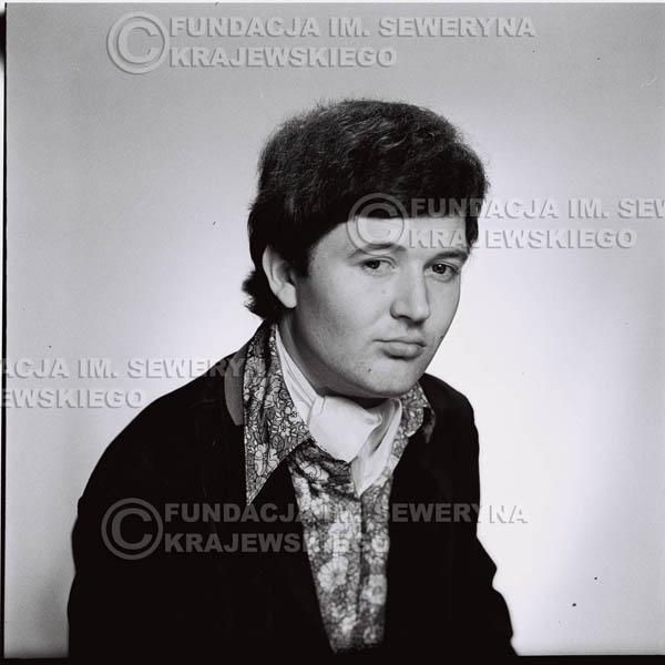 # 196 - Bernard Dornowski 1967r. sesja zdjęciowa do płyty pt: 'Czerwone Gitary 3'