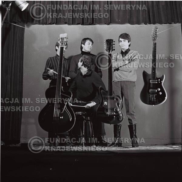 # 197 - Sesja zdjęciowa do drugiej płyty pt: 'Czerwone Gitary 2' 1966r.