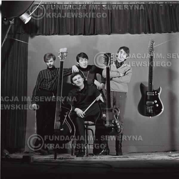 # 198 - Sesja zdjęciowa do drugiej płyty pt: 'Czerwone Gitary 2' 1966r.
