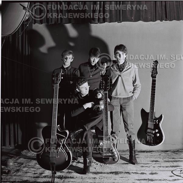 # 233 - Sesja zdjęciowa do okładki płyty pt: 'Czerwone Gitary 2' 1966r.