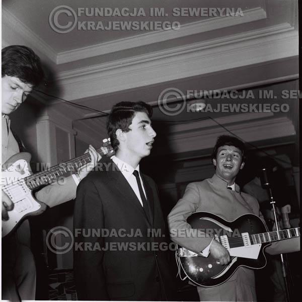 # 245 - 1965r. Czerwone Gitary występ w zimowym Nonstopie
