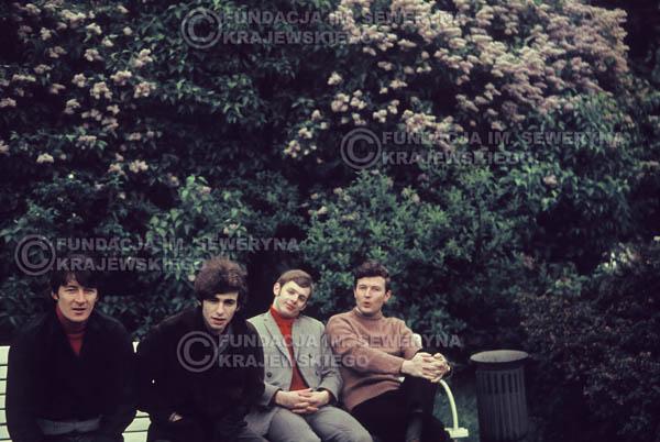 # 288 - Czerwone Gitary 1967r. sesja do płyty pt: 'Czerwone Gitary 3' Park Oliwski