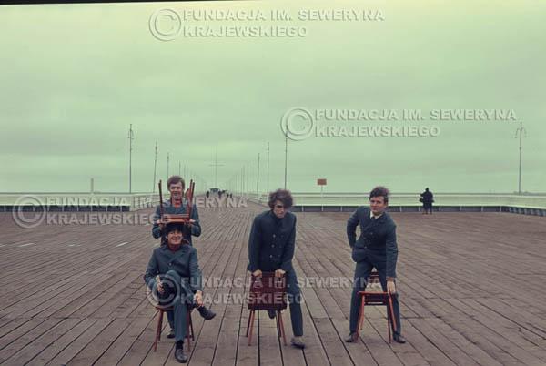 # 295 - Czerwone Gitary 1967r. sesja do płyty pt: 'Czerwone Gitary 3', molo w Sopocie