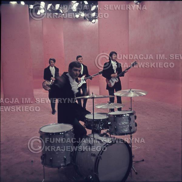 # 300 - Czerwone Gitary 1967r. sesja do płyty pt: 'Czerwone Gitary 3' studio telewizyjne w Warszawie