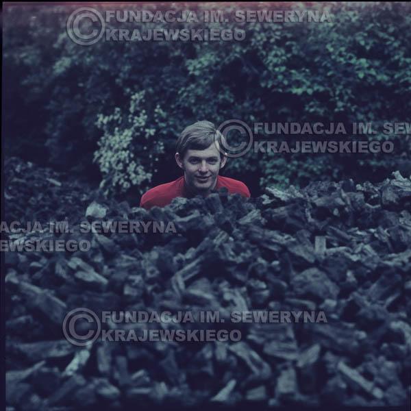 # 327 - Jerzy Skrzypczyk, sesja do płyty pt: 'Czerwone Gitary 3' Park Oliwski, 1967r.