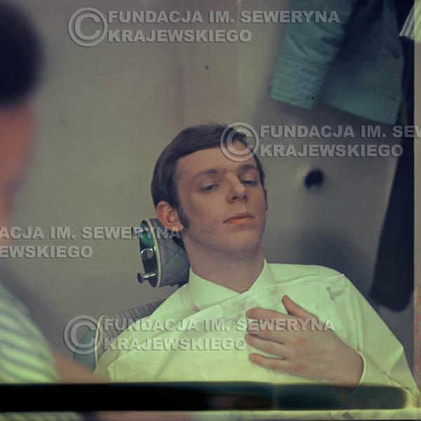 # 347 - Jerzy Skrzypczyk , 1967r., makijaż 0061 przed występem w telewizji w Warszawie