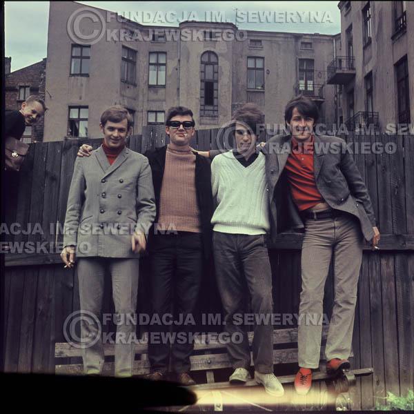# 370 - Czerwone Gitary, Łódź, sesja zdjęciowa do płyty pt: 'Czerwone Gitary 3' 1967r