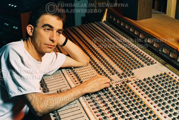 # 37 - Leszek Fidusiewicz. Sesja do okładki 'Strofki na gitarę (2)' - 1993 r.