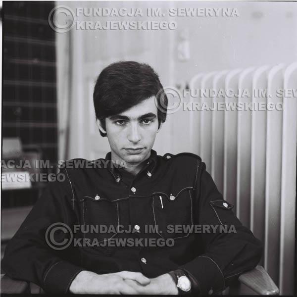 # 380 - Seweryn Krajewski, 1967r. sesja w Sopocie (zdjęcia dla fanów do autografów)