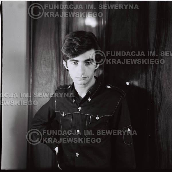 # 381 - Seweryn Krajewski, 1967r. sesja w Sopocie (zdjęcia dla fanów do autografów)