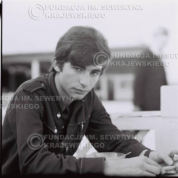 # 385 - Seweryn Krajewski, 1967r. sesja w Sopocie (zdjęcia dla fanów do autografów)