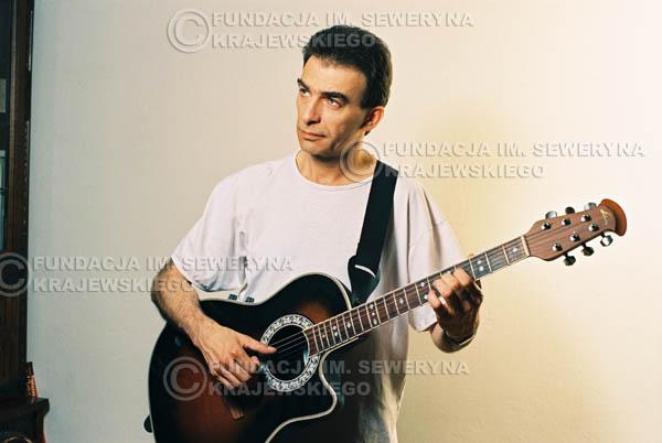 # 38 - Leszek Fidusiewicz. Sesja do okładki 'Strofki na gitarę (2)' - 1993 r.