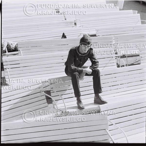 # 390 - Seweryn Krajewski, 1967r. sesja w Sopocie (zdjęcia dla fanów do autografów)