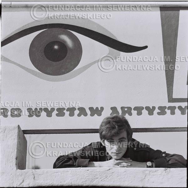 # 396 - Seweryn Krajewski, 1967r. sesja w Sopocie (zdjęcia dla fanów do autografów)