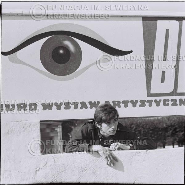 # 398 - Seweryn Krajewski, 1967r. sesja w Sopocie (zdjęcia dla fanów do autografów)
