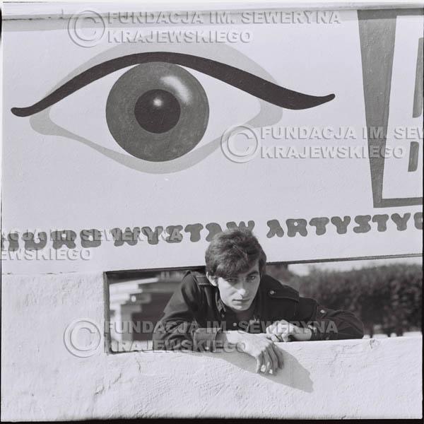 # 399 - Seweryn Krajewski, 1967r. sesja w Sopocie (zdjęcia dla fanów do autografów)