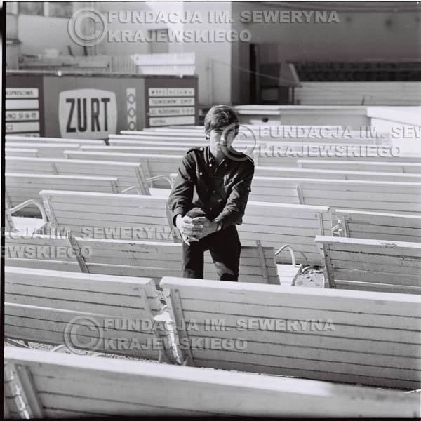 # 401 - Seweryn Krajewski, 1967r. sesja w Sopocie (zdjęcia dla fanów do autografów)