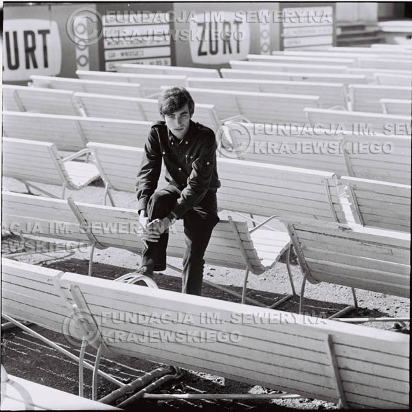 # 402 - Seweryn Krajewski, 1967r. sesja w Sopocie (zdjęcia dla fanów do autografów)