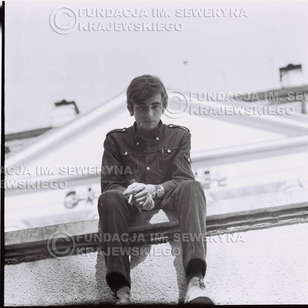 # 403 - Seweryn Krajewski, 1967r. sesja w Sopocie (zdjęcia dla fanów do autografów)