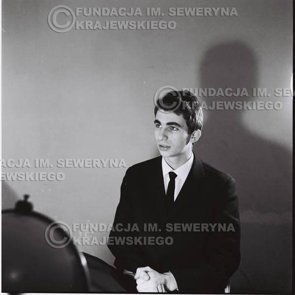 # 424 - Seweryn Krajewski, sesja zdjęciowa do płyty pt: 'Czerwone Gitary 3', 1967r.